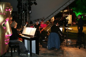 The orchestra played a score by Mike Westbrook to accompany the film.
