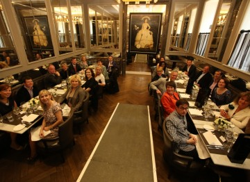 Guests enjoyed a lunch in the impressive Northall dining room at the Corinthia Hotel