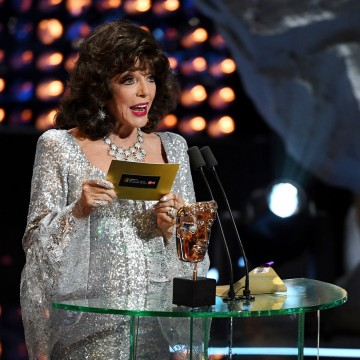 Joan Collins presents the award for Entertainment Programme
