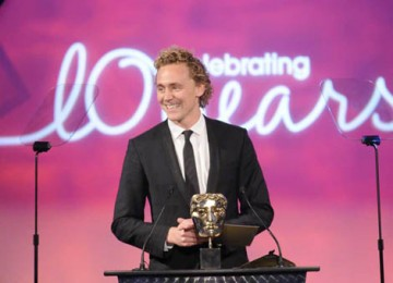 Tom Hiddleston, star of the BAFTA-winning series Wallander, announced the winner in the Visual Effects category (BAFTA / Richard Kendal).
