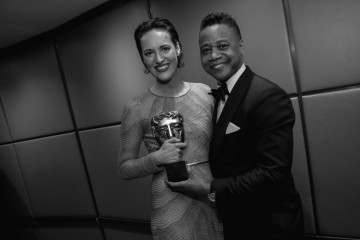 Phoebe Waller-Bridge and Cuba Gooding Jr backstage