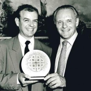 BAFTA Cymru chair Richard Staniforth and Sir Anthony Hopkins at the 1993 BAFTA Cymru Awards ceremony.