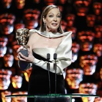 Allison Janney wins Supporting Actress!