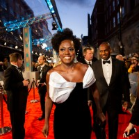 Viola Davis arrives on the red carpet