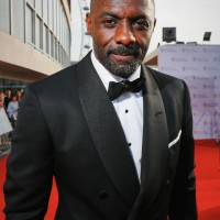 Idris Elba arrives on the red carpet