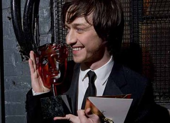 James Mcavoy displays his Rising Star Award for 2006