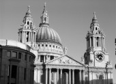 St Paul's Cathedral by the amanda, http://www.flickr.com/photos/the_amanda/301081453/