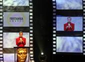 Alan Cumming hosted the Britannia Awards in 2012.
