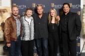 Ben Foster, Margaret Bowman, Jeff Bridges, Marin Ireland, Gil Birmingham