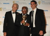 Jon Snow and Kevin Pieterson presented McDonald with the Fellowship, the highest accolade BAFTA can bestow. (Pic: BAFTA/Richard Kendal)