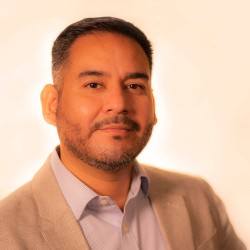 Rafael Samanez Headshot